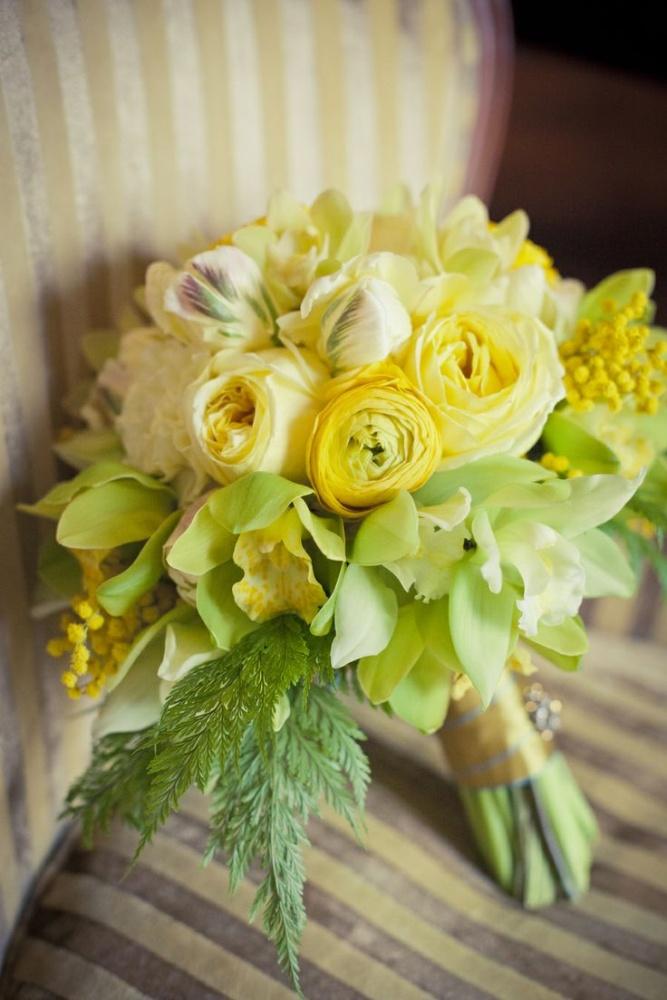 Букет невесты из мимоза