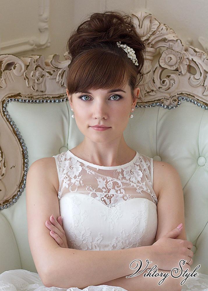 Свадебные прически собранные с челкой